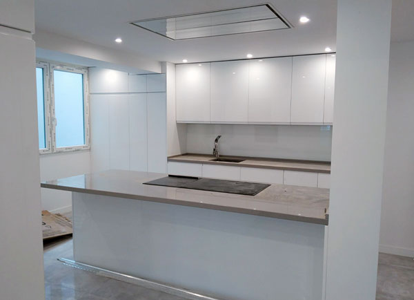 Muebles de cocina para madrid y toledo cocinas con isla for Muebles de cocina toledo